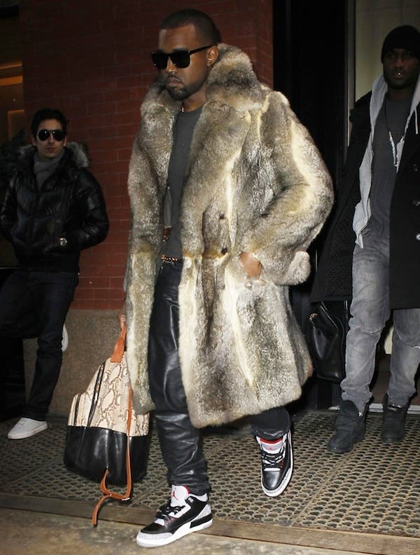 Kanye West leaving a party
